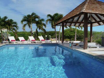 Villa Summer Heights - Coral Estate