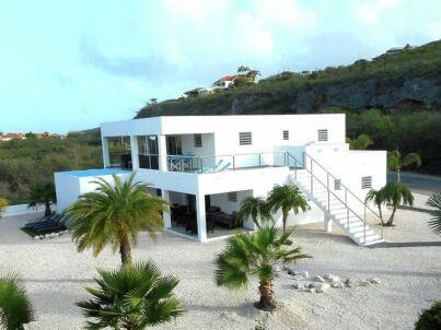 Modern Coral Estate
