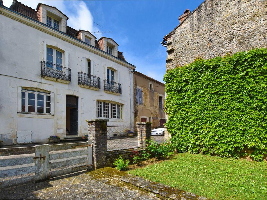 Außenaufnahme Maison de caractère style 18eme