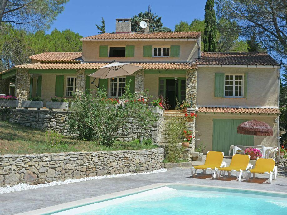 Außenaufnahme Belle Maison près du Pont du Gard