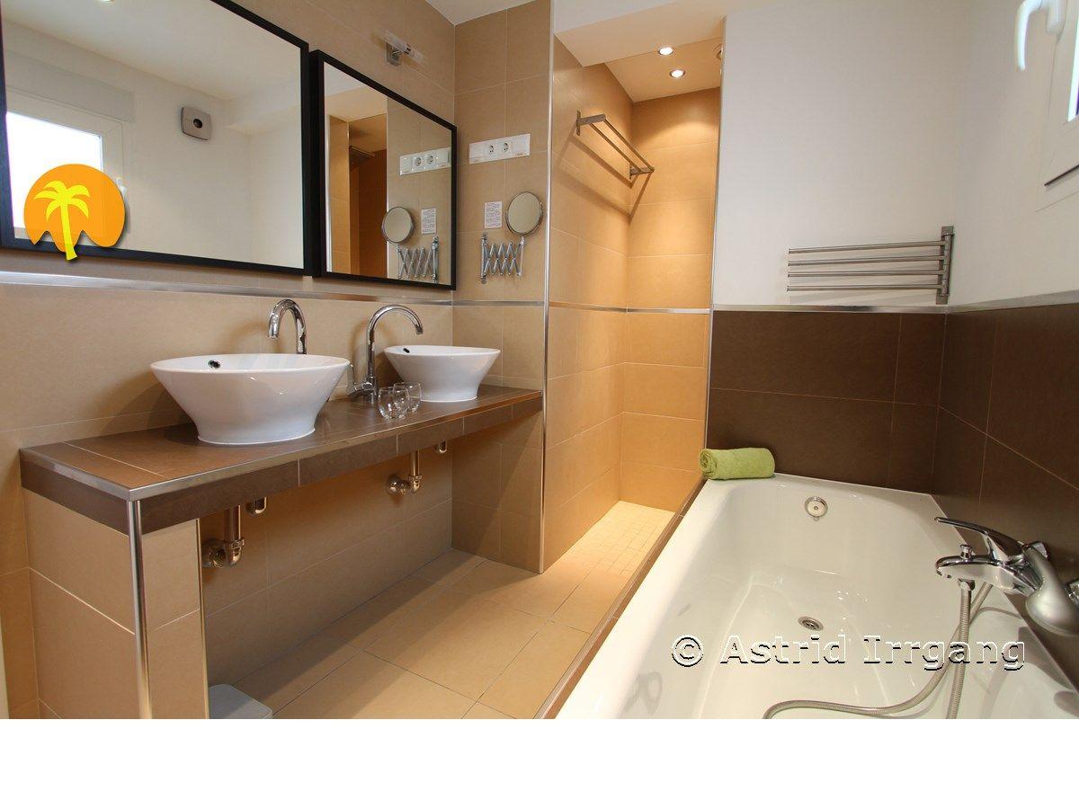 Ferienhaus casa almendros mit ganzjahrespool costa del for Regendusche fur badewanne