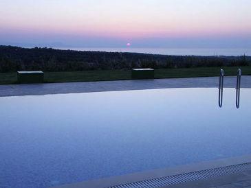 Villa's Giannakakis