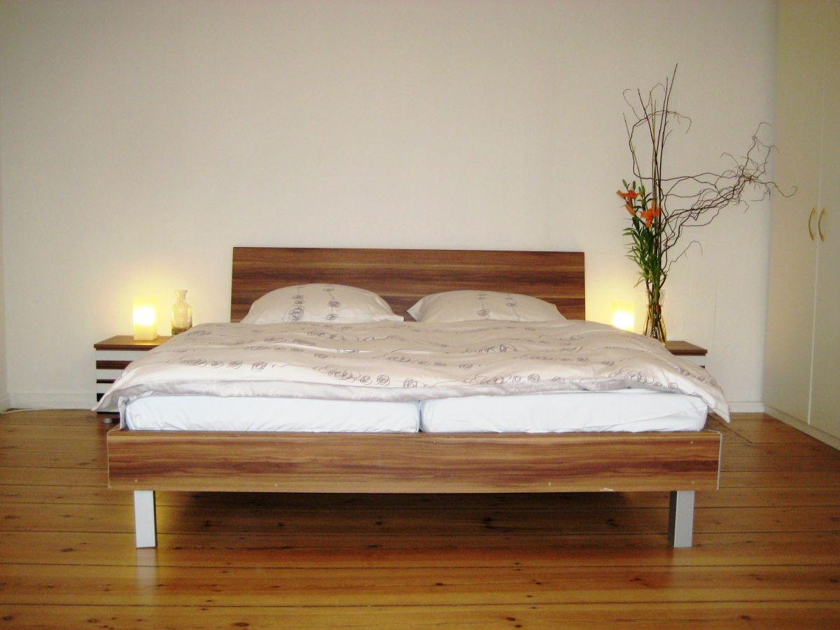 ferienwohnung absolut zentral und dennoch ruhig 1 berlin mitte frau anna felder. Black Bedroom Furniture Sets. Home Design Ideas