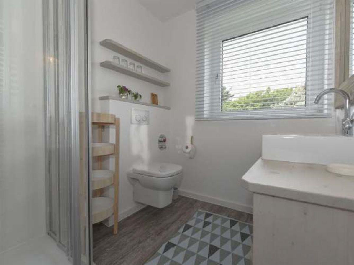 ferienwohnung surfbude 02 f hr firma urlaubs u immobilien service f hr gmbh herr jens goritz. Black Bedroom Furniture Sets. Home Design Ideas