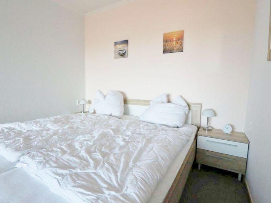 Ferienwohnung berolina d 232 l becker bucht dahme kellenhusen gr mitz firma - Wohn schlafzimmer modern ...