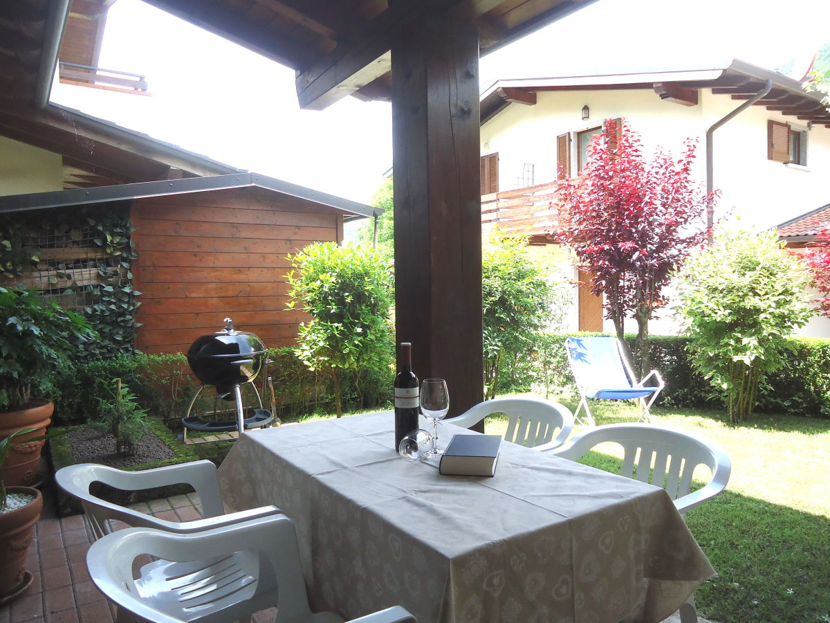 ferienhaus casa alice lombardei idrosee frau simone israel. Black Bedroom Furniture Sets. Home Design Ideas