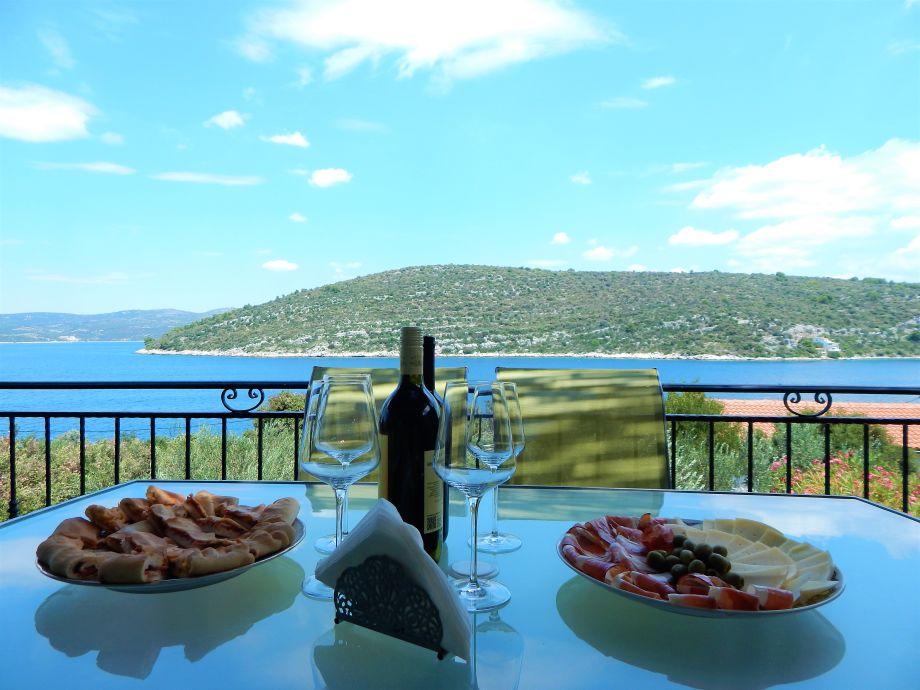Blick von der Terrasse und willkommen Mittagessen