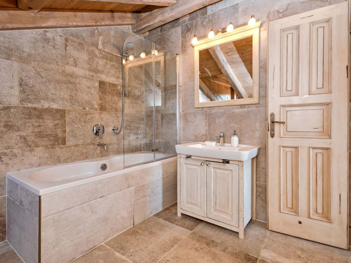 villa natura rustika dalmatien insel hvar firma prominens d o o frau dubravka paunovic. Black Bedroom Furniture Sets. Home Design Ideas