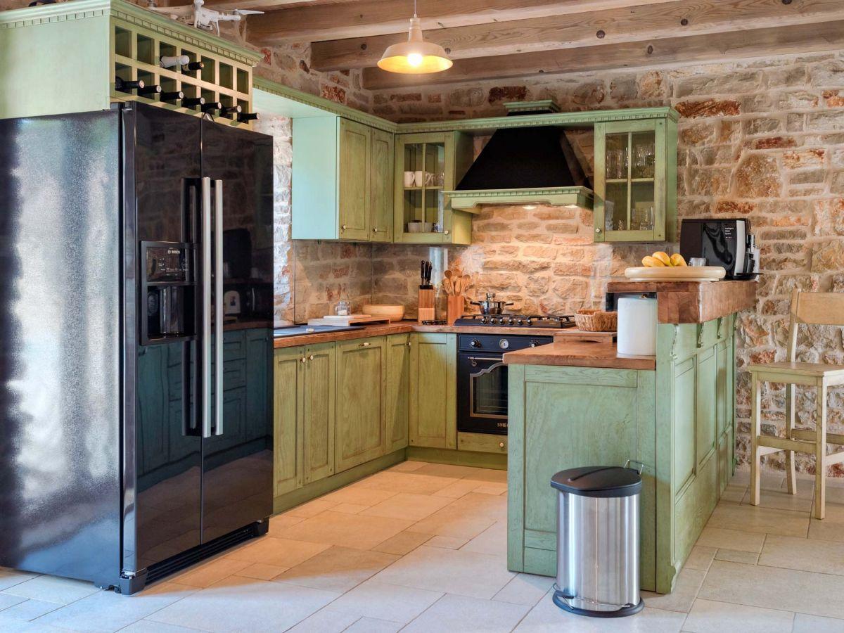 Villa natura rustika stari grad firma prominens d o o for Die kuche