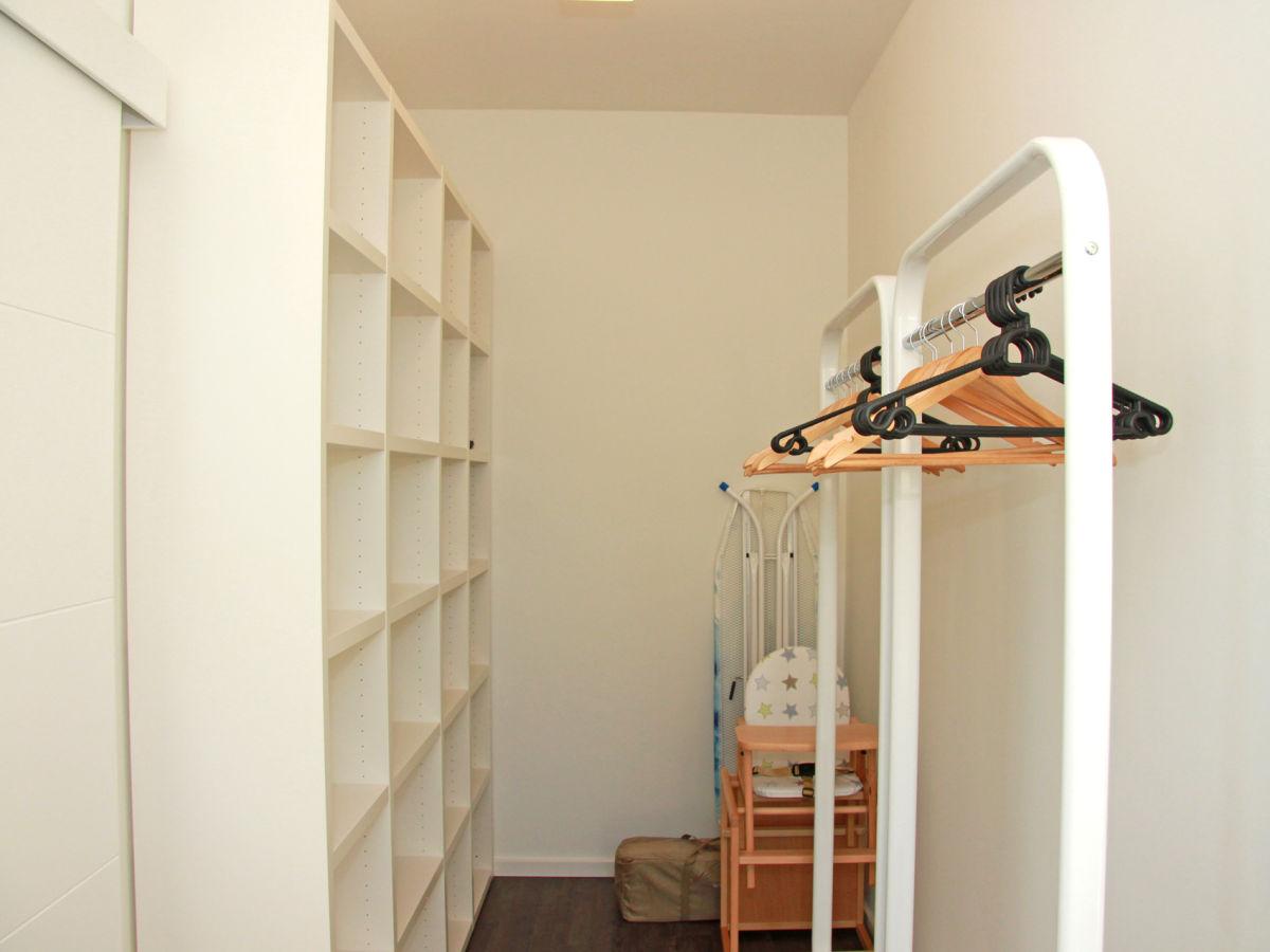 ferienhaus kehrwieder no 5 heiligenhafen firma yacht charterzentrum gmbh marke. Black Bedroom Furniture Sets. Home Design Ideas