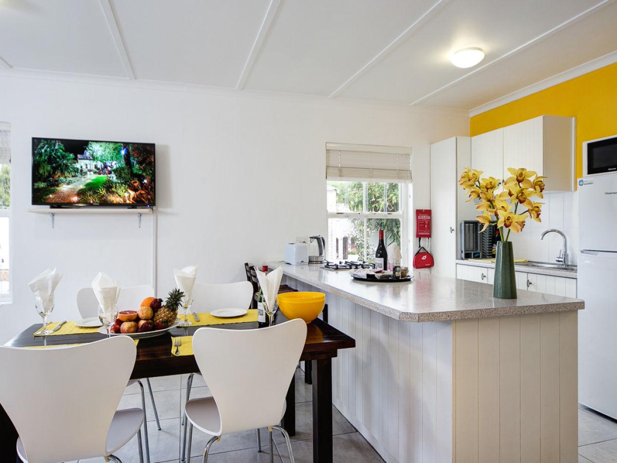 ferienhaus 16 garden cottage s dafrika kapweinland nur. Black Bedroom Furniture Sets. Home Design Ideas