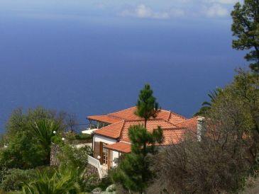 Herrlich gelegene Villa mit beheiztem Pool