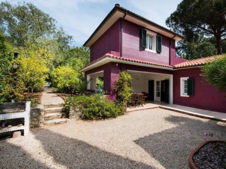 Traum-Villa direkt am Meer mit botanischem 8.000 m² Garten und Pool ...