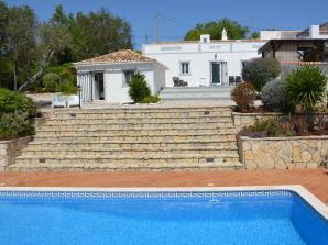 Charmantes, ruhig gelegenes Landhaus mit Meerblick und Pool