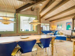 Charmantes Ferienhaus direkt am Meer mit 4 Terrassen