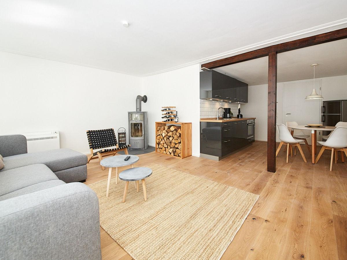 ferienwohnung zehn eins mosel firma ferienwohnungen. Black Bedroom Furniture Sets. Home Design Ideas