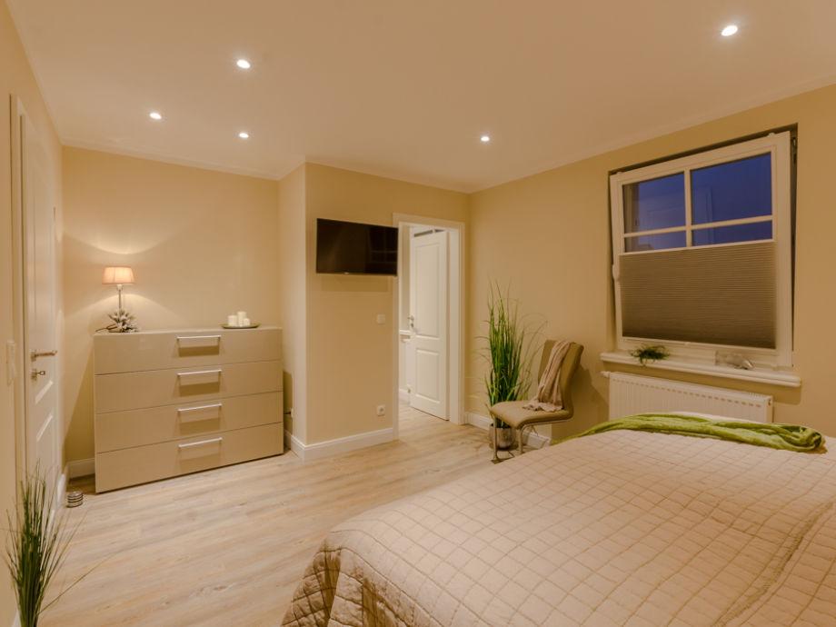 ferienhaus kleine kirr fischland darss zingst frau. Black Bedroom Furniture Sets. Home Design Ideas