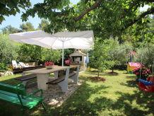 Holiday apartment Sabina with beautiful Garten