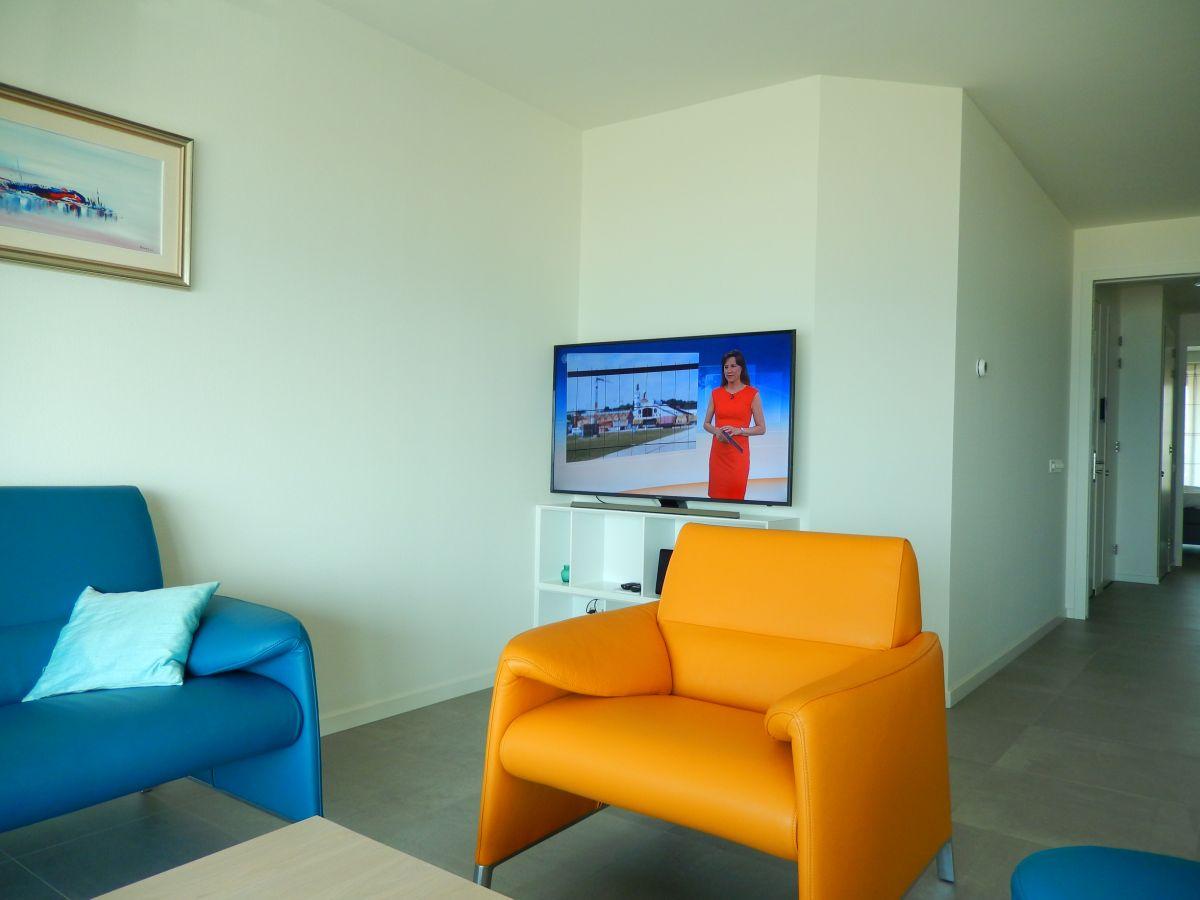 Ferienwohnung albatros suite egmond aan zee firma boulevardsuites frau natalie baltus - Fernseher wohnzimmer ...