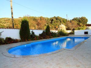 Ferienwohnung Swimmingpool-Villa Kampora