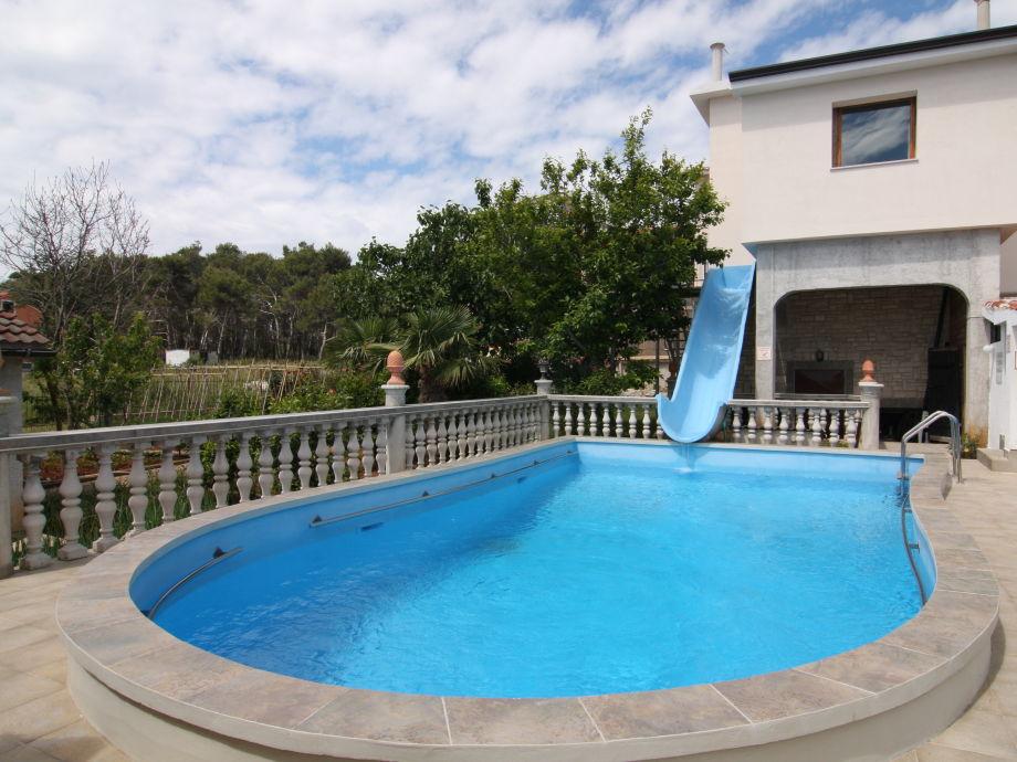 Swimmingpool  Ferienwohnung Swimmingpool-Villa Medulin, Kroatien, Istrien, Pula ...