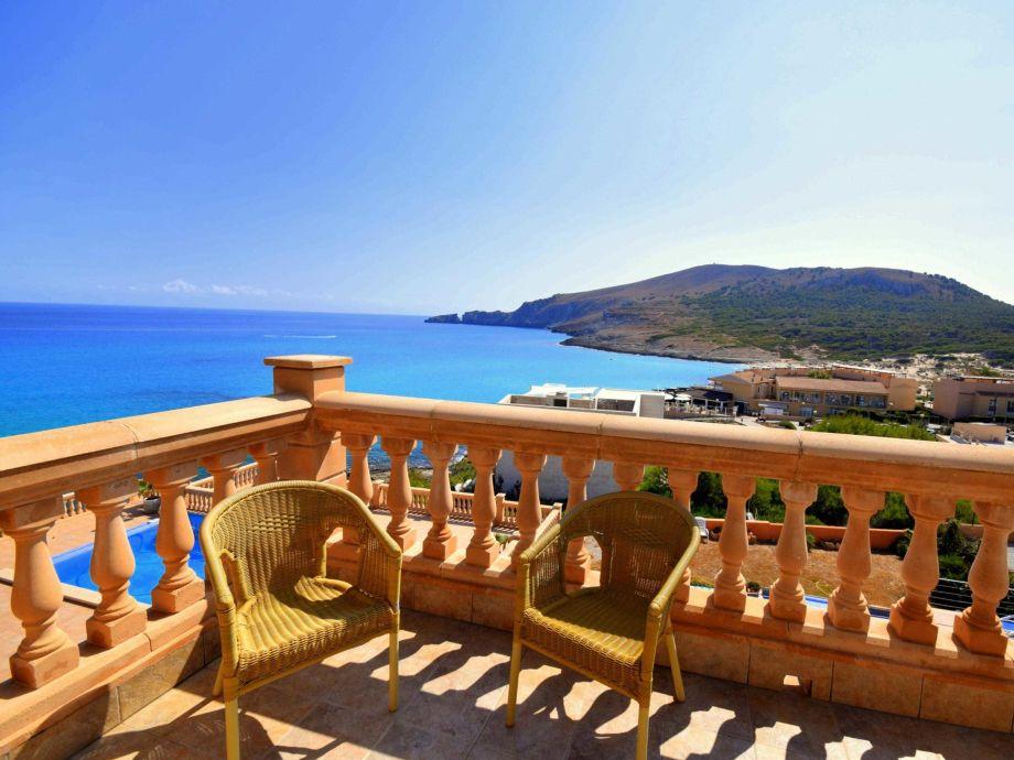 Balkon Mit Wunderschönen Ausblick auf Cala Mesquida