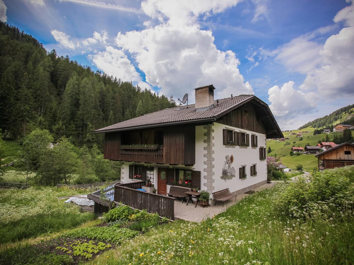 Ferienwohnung ciasa serac dolomites dolomiten alta badia for Haus mit garten