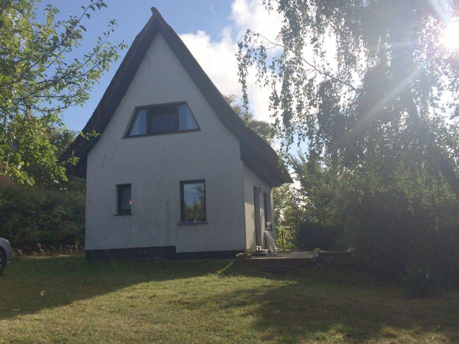 Ferienhaus mit Reetdach - an der Ostsee mit Terrasse