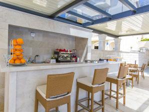 Ferienwohnung Luxury Aparthotel 1005