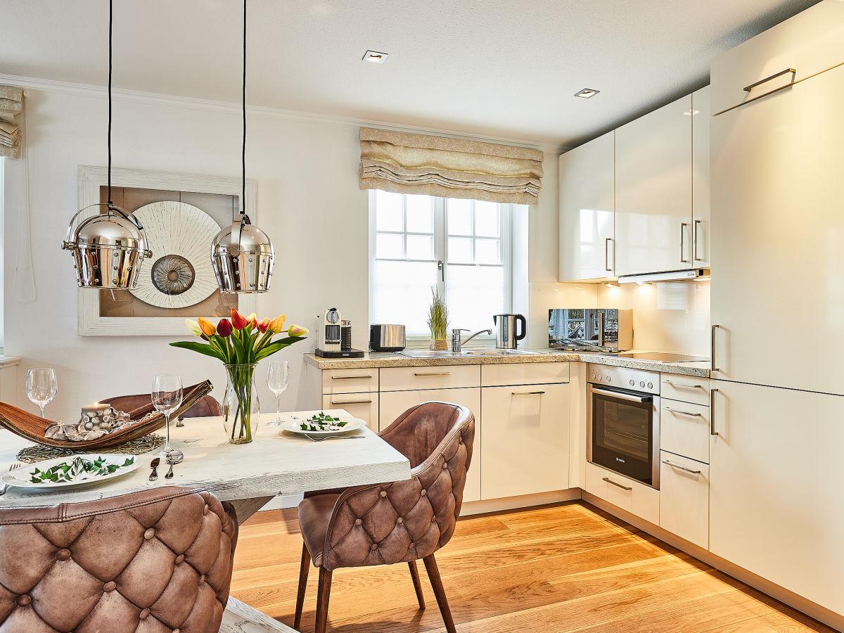 3 zi ferienwohnung dolce far niente wenningstedt firma mrm gmbh ferienwohnungen sylt. Black Bedroom Furniture Sets. Home Design Ideas