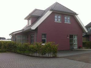 Villa De Potten 93 im Villenpark Sneekermeer