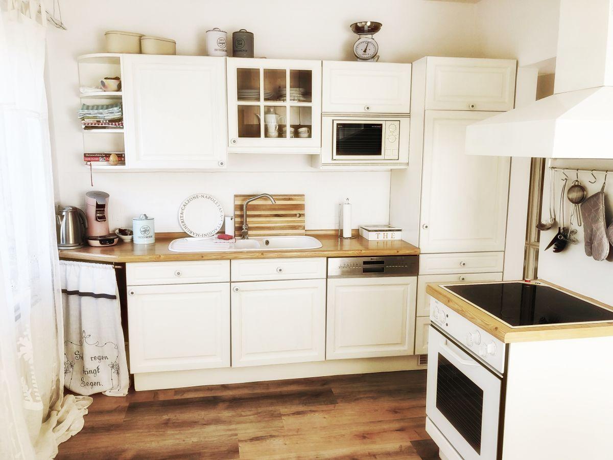 ferienwohnung romantik am weinberg eltville frau. Black Bedroom Furniture Sets. Home Design Ideas