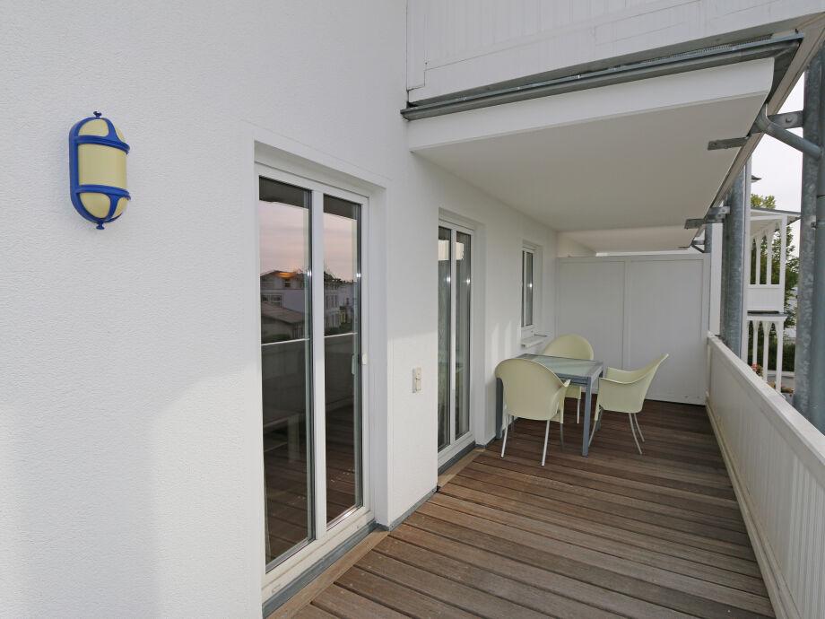 Außenaufnahme 12 A.01 in der Villa Vineta mit Südbalkon
