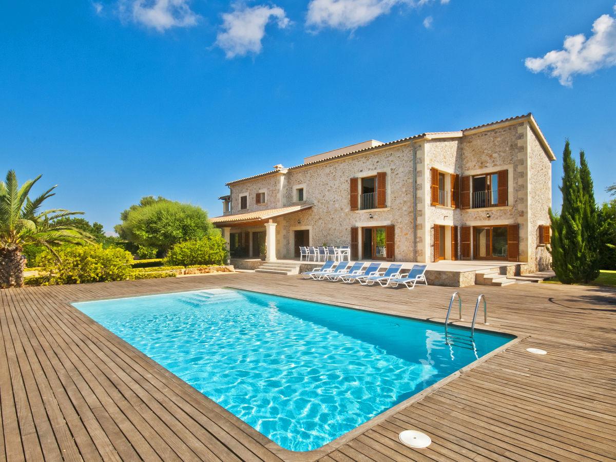 Villa finca santa maria mallorca alcudia firma bellmon for Finca mit pool