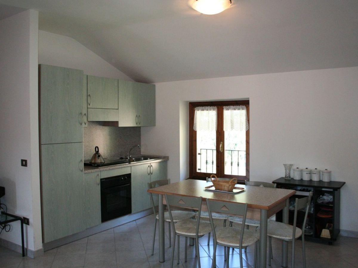 ferienwohnung bonaventura 3 gardasee tignale frau marcella tononi. Black Bedroom Furniture Sets. Home Design Ideas