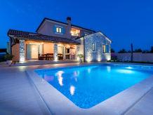 Villa Villa Violica