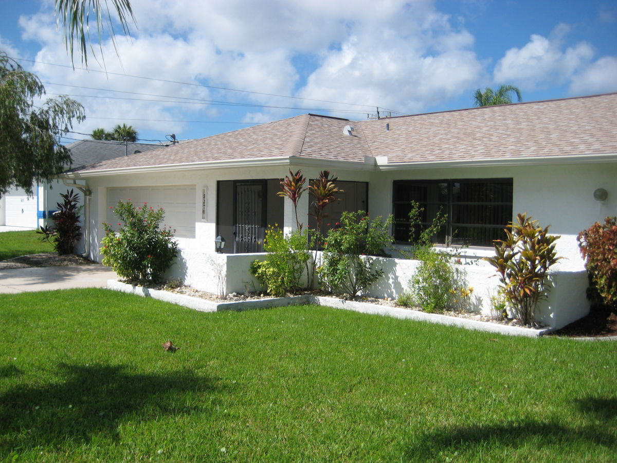 villa bluewater florida s dliche golfk ste cape coral michael petra. Black Bedroom Furniture Sets. Home Design Ideas