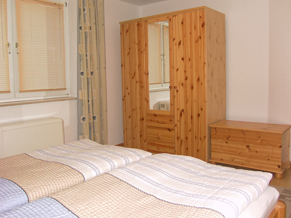 ferienwohnung 3 im appartementhaus gingst ostsee r gen. Black Bedroom Furniture Sets. Home Design Ideas