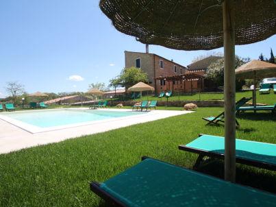 Large apartment + pool