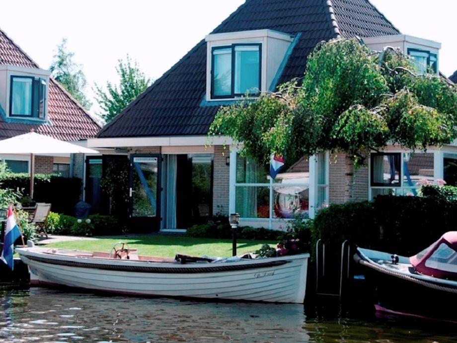 villa woudsend friesland firma aqua state vakantiewoningen frau nina goudberg. Black Bedroom Furniture Sets. Home Design Ideas