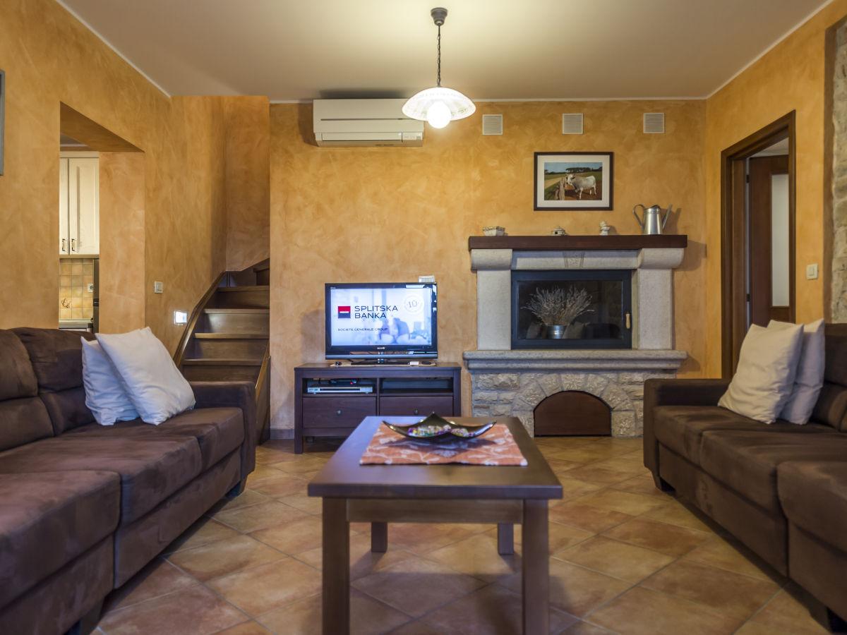villa ladonja istrien firma eurotours porec rosana babic. Black Bedroom Furniture Sets. Home Design Ideas