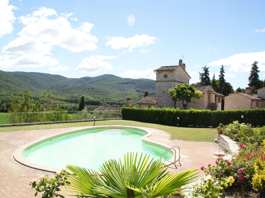 Außenaufnahme Borgo Sanvico  Lallo