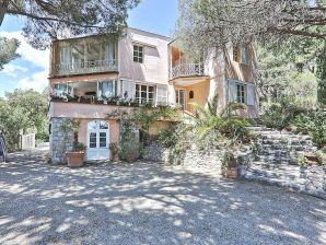Villa Jasmina | Ferienhaus direkt am Meer