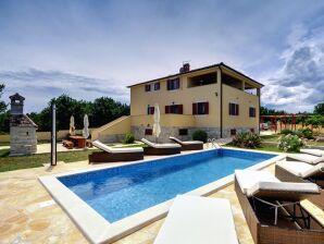 Villa 966