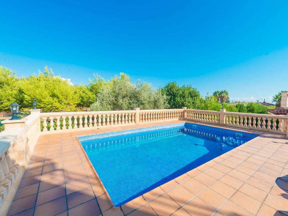 Swimming pool of the Villa Garballó