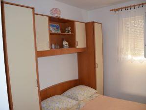 Holiday apartment Valbandon