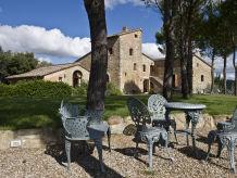 Schloss Burg Castiglione 1
