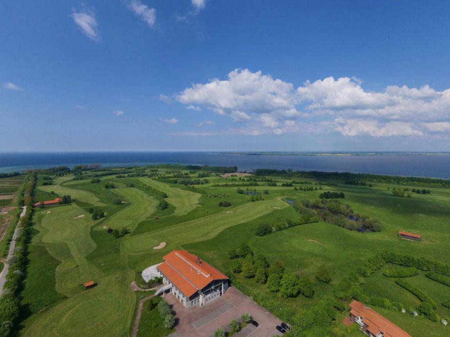 Luftbild vom Haus zur Ostsee