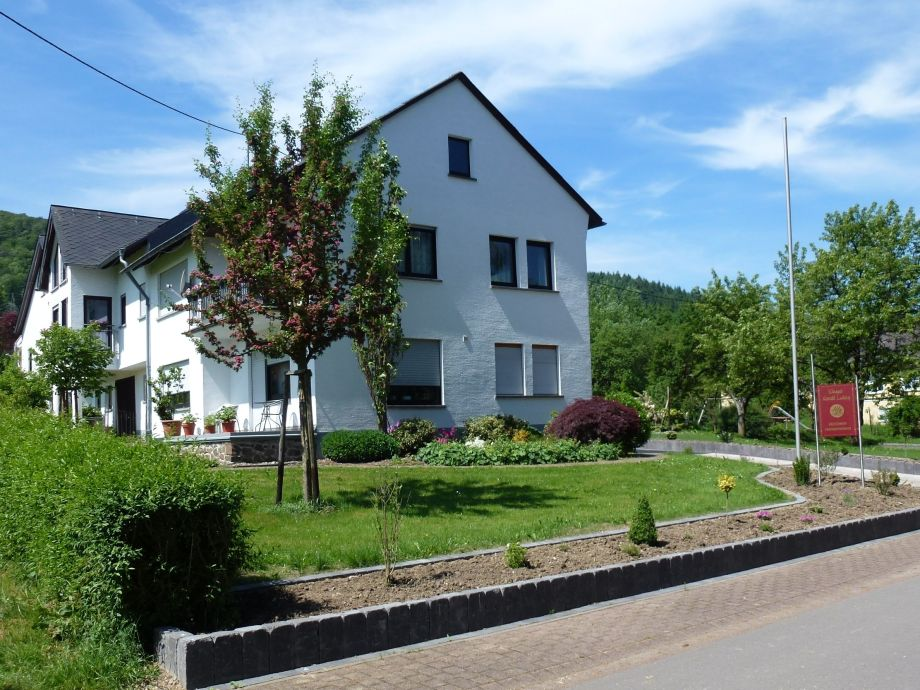 Zufahrt zum Weingut Harald Ludwig