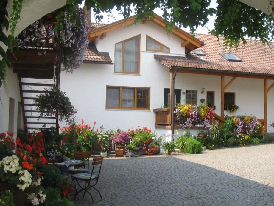 Hofeinfahrt-Winkler-Ferienhof